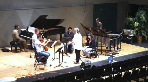 Eve Beglarian in rehearsal